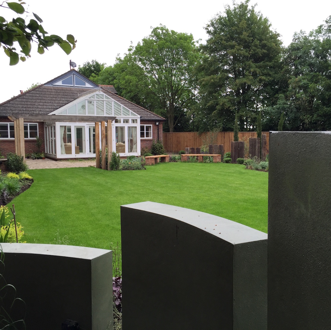 Loxley Curved Rendered Walls