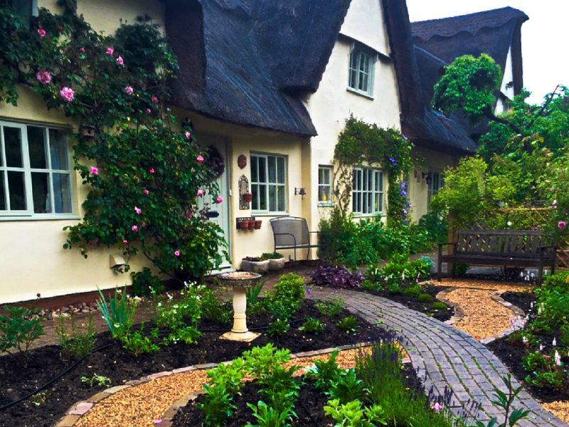 Thatched Cottage Garden 2
